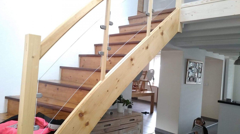 Rambarde d'escalier en acrylique