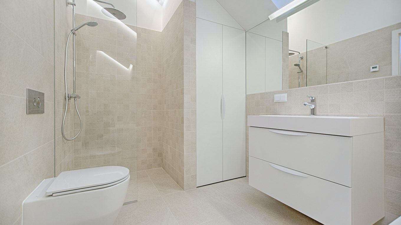 Quelques bricolages pour plus d'espace dans votre salle de bain